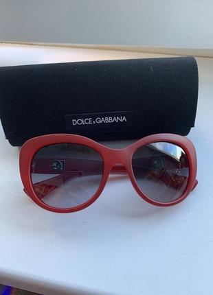 Солнцезащитные стильные очки dolce&gabbana. оригинал