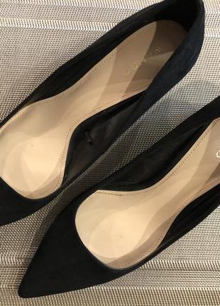 Элегантные туфли mango черного цвета