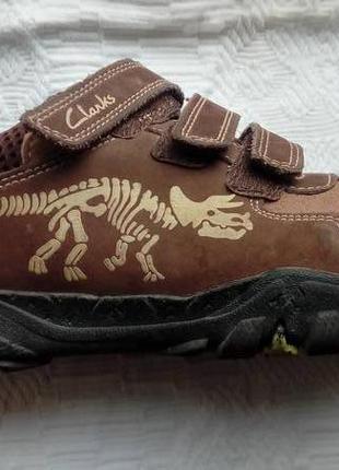 Туфли, кроссовки clarks на мальчика динозаврики светится в темноте