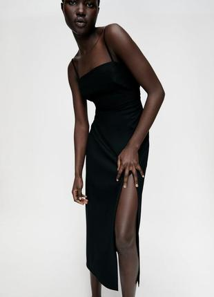 Черное платье-футляр миди zara