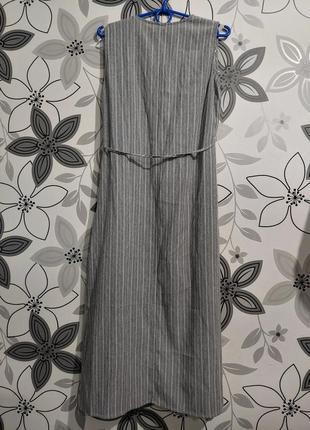 Платье миди жилетка серо-белая полоска с поясом2 фото