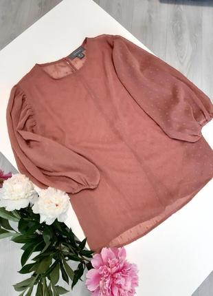 Прозора блуза з тканини плюметі з пишними рукавами