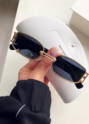 Солнцезащитные очки в прямоугольно оправе uv400