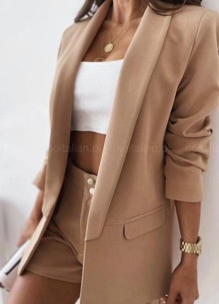 Костюм(пиджак+шорты)