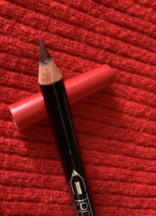 Олівець для губ двосторонній, червоний та бордовий, двусторонний карандаш для губ.