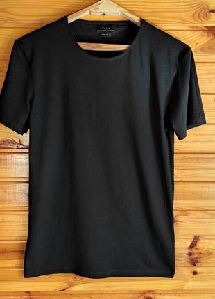 Чёрная футболка zara