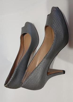 Женские кожаные туфли с открытым носком vince camuto 40 41 кожа летние туфельки