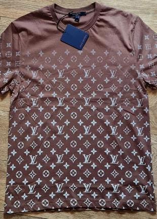 Стильная футболка,люкс качество,размер с.