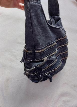 Сумка джинсовая с замочками3 фото