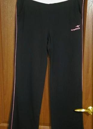 Фирменные штанишки размера 46-48.kangaroos.