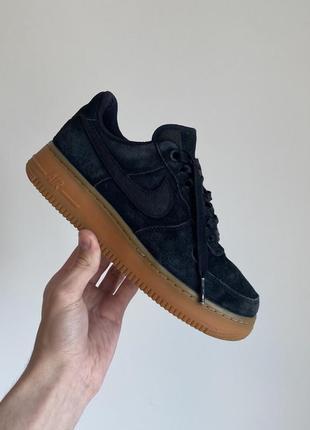 Оригинальные замшевые кроссовки nike air force 1 07 se