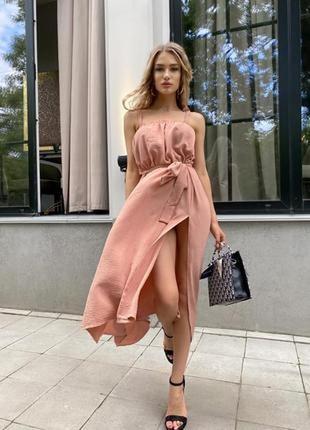 Летнее платье миди. льняное платье ниже колена с разрезом и поясом