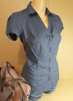 Приталенная женская рубашка pimkie. синяя рубашка в горошек. блуза pimkie