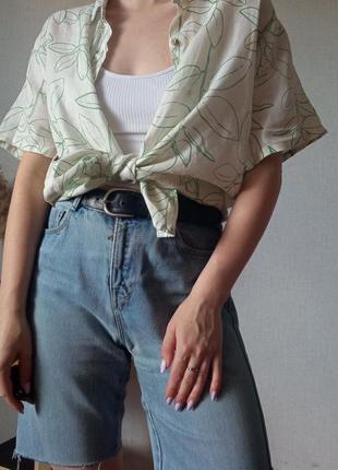 100%льон 🌿 біла сорочка з коротким рукавом в актуальний зеленим  принтом  💚 вінтаж,  розмір універсальний