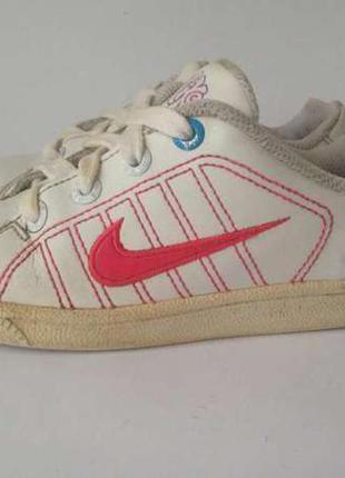 Nike нат .кожа eur-30 (18.5 cм стелька)