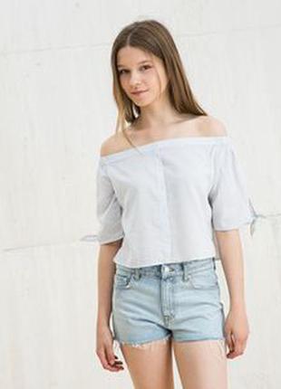 Красивая блуза со спущеными плечами