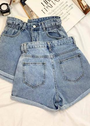 Модные джинсовые шорты с высокой посадкой3 фото