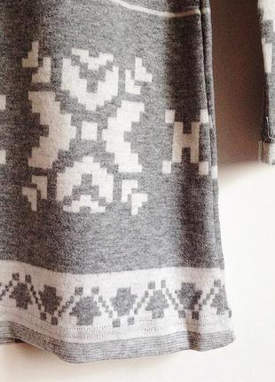 Платье орнамент снежинка зима серое4