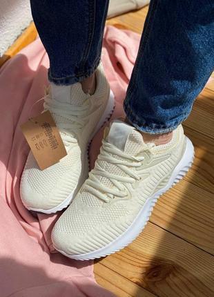 Кросівки на літо