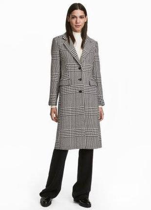 Шерстяное пальто в клетку чёрно - белое h&m