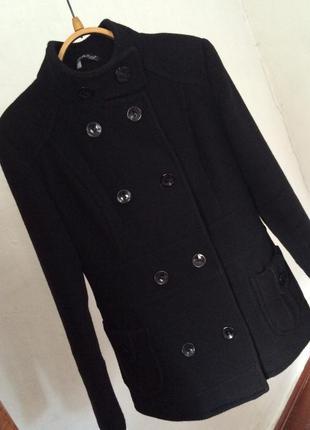 Крутое актуальное черное пальто h&m полупальто
