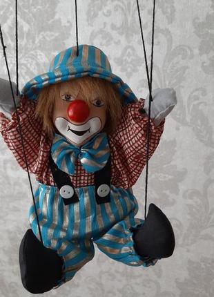 Клоун, кукла