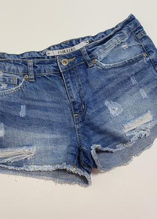 Джинсовые шорты рваные модные