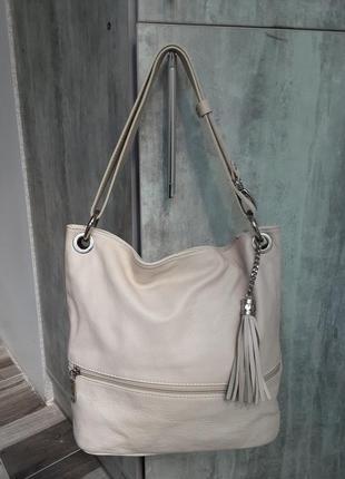 Кожаная сумка пудрового цвета. италия.
