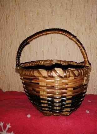 Миниатюрная, декоративная плетёная корзинка
