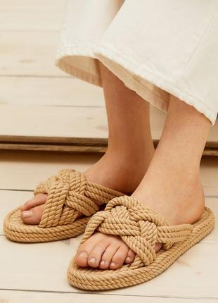 Босоножки из текстильных веревок