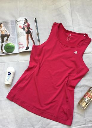 Спортивная майка яркого цвета фуксия от adidas
