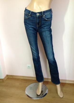 Фирменные базовые джинсы /27/brend guess