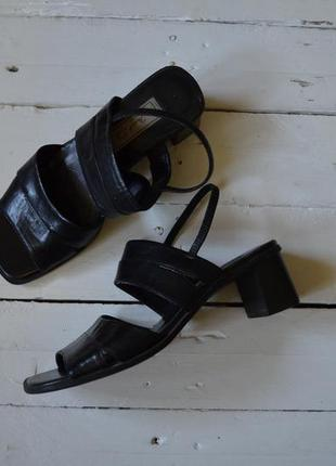 """Лови акцию """"1+1=3"""" фирменные кожаные сандали на широком каблуке janet d. германия"""