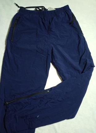 Спортивные штаны на подкладке. бренд nike  размер s-m