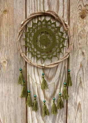 Зеленый ловец снов с кисточками