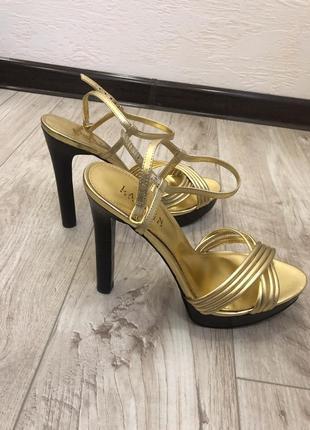 Золотые каблуки