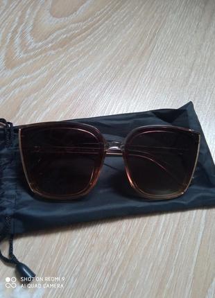 Очень красивые стильные очки fendi
