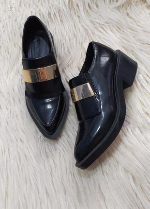 Афигенные лоферы туфли от zara