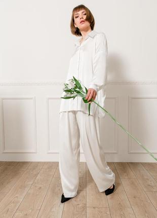 Шелковый комплект: блуза + брюки в молочном цвете