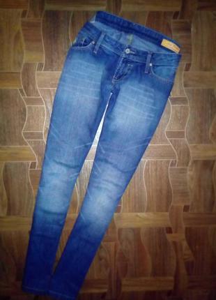 Актуальные джинсы синего цвета р 31-34