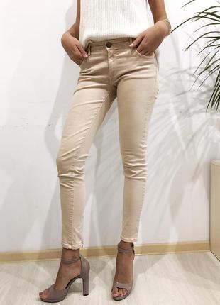 Бежевые скини джинсы zara