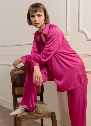 Шелковый комплект: блуза + брюки в малиновом цвете