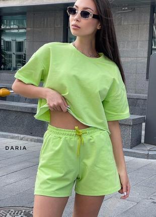 Стильный салатовый яркий костюм шорты и футболка худи летний весенний