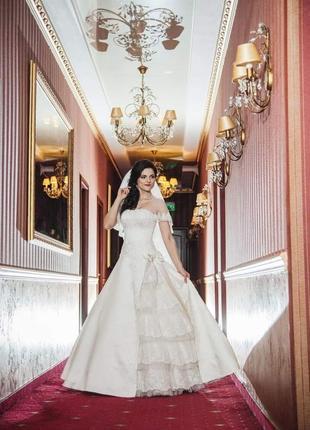 Эффектное очаровательное свадебное платье. качество тканей люкс!