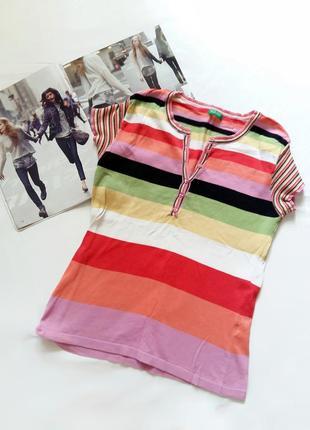Разноцветная футболка benetton в яркую полоску