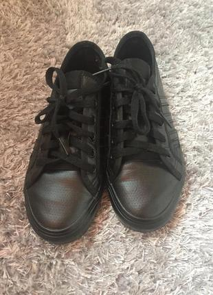 Кроссовки кожаные adidas оригинал, размер 36,5