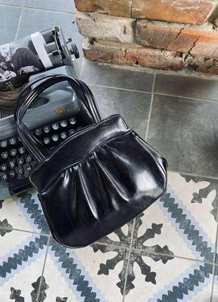 Винтажная сумка в черном цвете