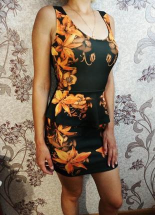Платье в цветочный принт s