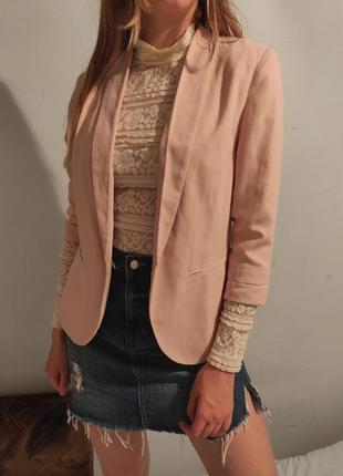Пиджак жакет розового цвета