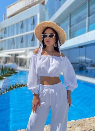 Костюм женский летний с брюками с топом тонкий легкий с открытыми плечами6 фото